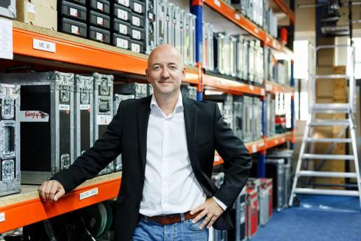Fotografie des GATE Gründers und Geschäftsführers Marcus Zurdo Butz im GATE Gerätepark