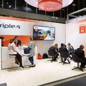 Messestand der TripleS GmbH auf der InnoTrans Berlin im Jahr 2016