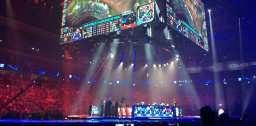 Bühnenbeleuchtung bei der Weltmeisterschaft der Games Convention